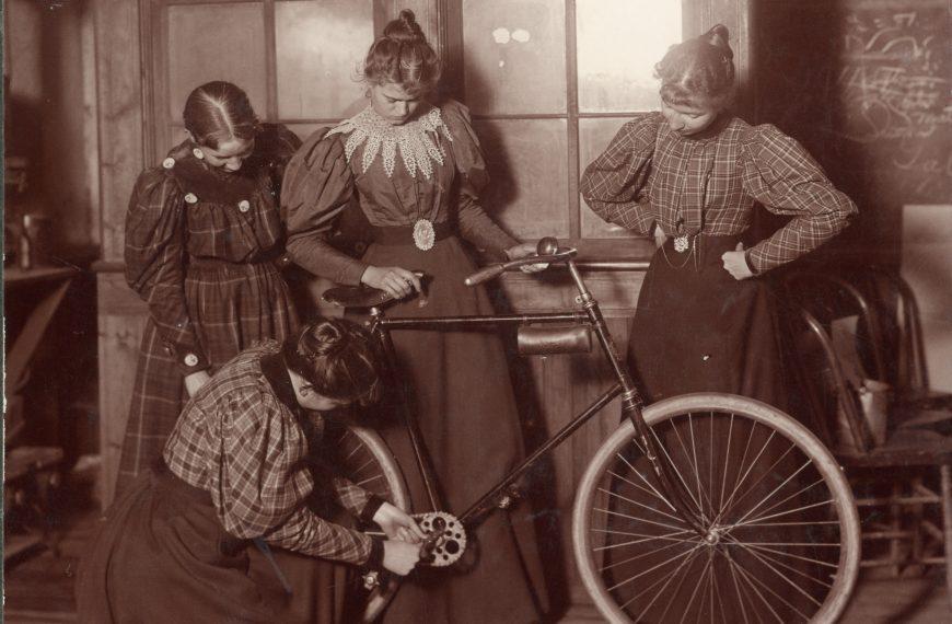 Enjeux matériels de la fabrication de vélos dans un monde postcroissance